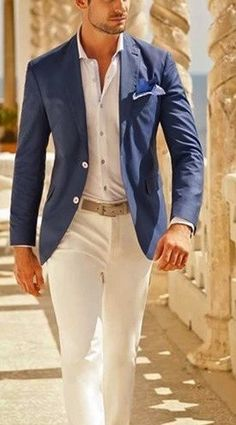 The perfect dress shirt is what truly completes the suit but moreover; the entire look is dependent on the right way to wear the shirt. Traje Slim Fit, Terno Slim Fit, White Pants Outfit, Khakis Outfit, Khaki Pants, Look Cool, Mens Suits, Suit Men, Menswear