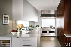 A sleek New York kitchen by Rees Roberts + Partners and Steven Harris Architects