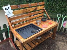 Mud Kitchen inspiration made from wooden pallets