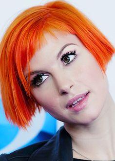Imagem de hayley williams, paramore, and orange hair