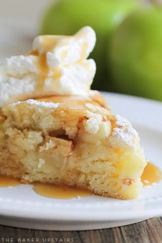 Irish apple cake - simple, sweet, and oh so delicious! Irish Desserts, Apple Desserts, Irish Recipes, Apple Recipes, Baking Recipes, Delicious Desserts, Apple Cakes, Healthy Desserts, Irish Cake