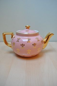 Pink teapot with gold fluers! WOW!!!