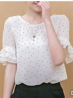 Fancy Tops, Trendy Tops, Casual Dresses, Fashion Dresses, Casual Outfits, Blouse And Skirt, Dress Skirt, Blouse Styles, Blouse Designs