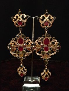 beautiful earrings on order  on order estimated time 4 weeks More details please Inbox Us!! contact :Aiiyzz@hotmail.com We also offer worldwide shipping Separate shipping charges are applied for international deliveries.