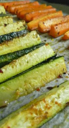 The Best Way to Cook Zucchini and Carrots. Best way to cook zucchini and carrots. The zucchini is good, but the carrots are out of this world good.they taste like sweet potato fries! Healthy Snacks, Healthy Eating, Healthy Recipes, Healthy Fries, Healthy Chicken, Baked Chicken, Drink Recipes, Clean Eating, Side Dish Recipes