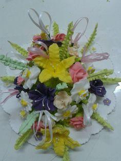 Arreglo para torta de flores de glace.