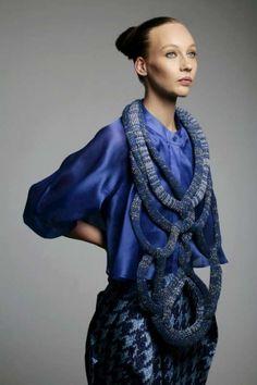 irina-shaposhnikova-knitted-giant-necklace