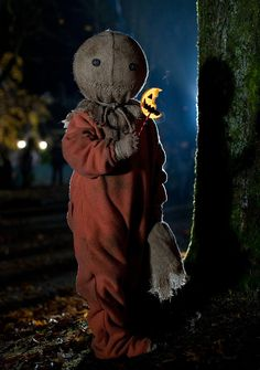 Love this creepy little guy! The movie is one of my Halloween favorites! Love this creepy little guy Halloween Prop, Halloween Movies, Halloween Horror, Diy Halloween Decorations, Scary Movies, Halloween 2020, Vintage Halloween, Halloween Crafts, Horror Movies