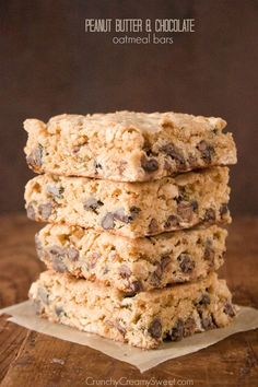 Peanut Butter Chocolate Oatmeal Bars - easy and delicious treat for pb and chocolate lovers. I added half chocolate chips and half Reese peanut butter cups No Bake Granola Bars, Oatmeal Bars, Oatmeal Muffins, Oatmeal Cookies, Chocolate Oatmeal, Chocolate Peanut Butter, Chocolate Chips, Chocolate Bars, Just Desserts