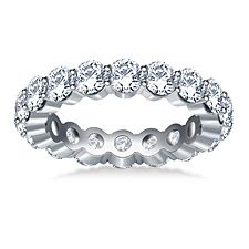 Traditional Prong Set Round Diamond Eternity Ring in 14K White Gold (2.70 -3.00 cttw.)