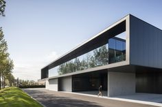 Completed in 2015 in Ostend, Belgium. Images by Tim Van De Velde . 'Groep Versluys' is a real estate group formed in 1908 that has built around 700 residences, ranging from villa's to exclusive residential projects,...