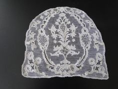 Another really good lace from the 4/6/2014 Ebay Alerts. Mid 18th c Alençon cap back in really good shape.