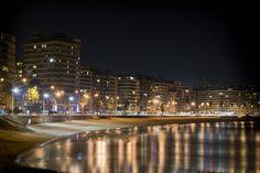 "Montevideo Night View - Uruguay (I´ll never get bored of MVD´s coast pictures, loooove ""la Rambla"")"