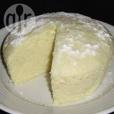 Although real Chinese dinners usually end with a piece of fruit, Western influence has caused a few changes. This cake uses Chinese techniques to make a French inspired, and extremely moist, sponge cake. Steamed Sponge Cake Recipe, Steamed Cake, Sponge Cake Recipes, Chinese Steam Cake Recipe, Chinese Cake, Chinese Food, Chinese Desserts, Chinese Recipes, Dessert Dishes