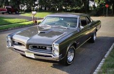 Did you know that GovLiquidation will sell classic and antique cars? Like this 1966 Pontiac GTO 4 speed! Pontiac Gto, Chevrolet Corvette, Sexy Cars, Hot Cars, General Motors, Vintage Cars, Antique Cars, Classic Car Restoration, Rick Y