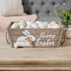 Bring in the season with our Happy Easter Wood Crate with Rope Handles. The natural look and country feel will be a great complement to your Easter décor. Easter Egg Crafts, Easter Art, Easter Decor, Easter Ideas, Easter Pillows, Easter Bunny Cake, Diy Ostern, Easter Holidays, Easter Wreaths