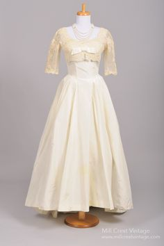 1960's Ivory Bonwit Teller Vintage Wedding Gown : Mill Crest Vintage