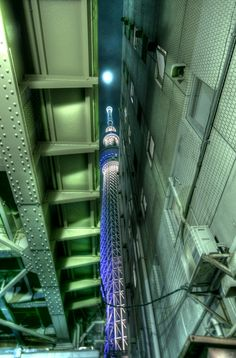 tataralandscape:    dontrblgme:    Tokyo Sky Tree (via cap5656)
