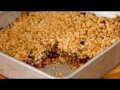 A simple recipe and quick. S date squares to eat without moderation! Oatmeal Cookie Recipes, Oatmeal Cookies, Oatmeal Crisp, Date Squares, Le Chef, Biscuits, Macaroni And Cheese, Deserts, Easy Meals