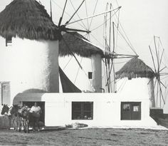 Old Time Photos, Old Pictures, Mykonos Greece, Good Old, Costa, Greek, Black And White, History, Artwork