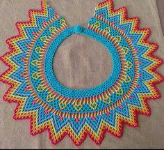 Collar tejido con mostacillas checas... diseñado por Dalgy Paternina.....