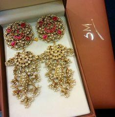 Gold Jewelry Buyers Near Me Antique Jewellery Designs, Fancy Jewellery, Antique Jewelry, Antique Earrings, Jewelry Design Earrings, Charm Jewelry, Gold Jewelry, Diamond Jewelry, Jewlery