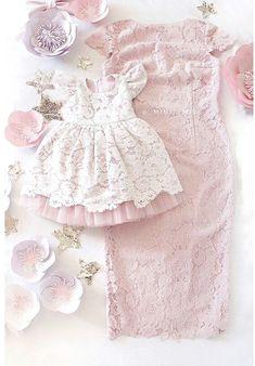 60 Ideas crochet baby girl dress kids fashion for 2019 Dresses Kids Girl, Kids Outfits, Flower Girl Dresses, Baby Outfits, Baby Girl Crochet, Crochet Baby Clothes, Baby Girl Fashion, Kids Fashion, Mother Daughter Fashion