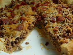 Bacon cheeseburger pie - Drizzle Me Skinny!Drizzle Me Skinny! Weight Watchers Snacks, Weight Watcher Dinners, Weight Watchers Chicken, Ww Recipes, Skinny Recipes, Cooking Recipes, Recipies, Beef Casserole Recipes, Hamburger Recipes
