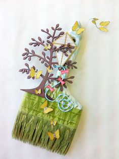 Made by one of the craftiest chicks I know:  Amber Widener-donnadowney.typepad.com