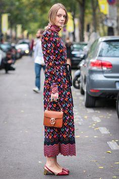 ヴィンテージドレスにトレンド感のある小物を合わせて|Alina Gelzina|SPUR.JP
