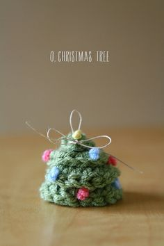DIY Crochet Christmas Tree Ornament // Caught On A Whim by Caught On A Whim, via Flickr Terrarium Diy, Terrariums, Do It Yourself Projects, Candle Making, Candle Jars, Candle Holders, Snow Globes, Christmas Diy, Recycling