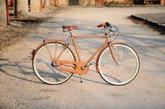 BICI GANNA MODELLO DISCOVERY UOMO CON CAMBIO 3V NEXUS SHIMANO  COLORI: MARRONE - BLEU - PISTACCHIO  PER ULTERIORI INFORMAZIONI SUL PRODOTTO:  http://www.ganna-retro.it/it/biciclette/lusso-uomo-3-v-_6_14.htm
