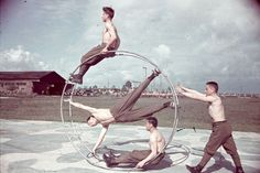 vintage everyday: Soldiers of the Hungarian Second Army having fun, 1942