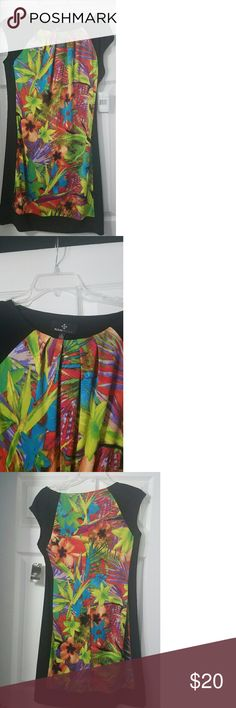 NWT Ronni Nicole Tropical Summer Dress Really colorful spring/summer dress.   The black detail on the side gives you an hourglass figure.   Dress sits above knee. Ronni Nicole Dresses Midi