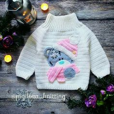 This Baby Bear Crochet Character Sweater is hot off my hook! I couldn't resist the cuteness when I spotted this crochet pattern in the n Crochet Baby Sweaters, Crochet Baby Clothes, Crochet Toys, Free Crochet, Gilet Crochet, Crochet Cardigan, Knit Crochet, Knitting For Kids, Crochet For Kids