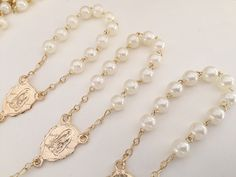 30 baptism favors acrylic pearls vintage gold /mini rosaries/