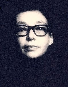 The old Marguerite Duras Writers Eye, Writers And Poets, Essayist, Playwright, Patrick Modiano, Marguerite Duras, Artist Film, Paris Pictures, Book Writer