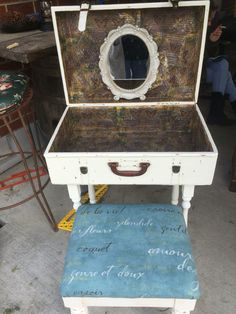 Old suitcase into vanity