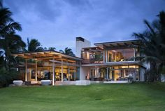 Private Residence by Bossley Architects - Maui, Hawaii, USA