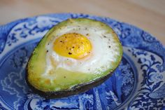 Avocado Egg Bake- speaking my language - Just want to know how to keep it upright - might be perfectly easy - it would be just my luck that it would fall over and make a big ol' mess!