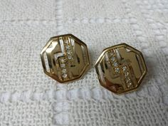 Avon Private Collection  clip earrings Mint Condition 1986 original box