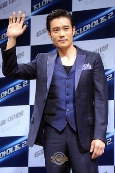 Actor Lee Byung Hun confirmed for a role in upcoming Hollywood film, 'Red 2′ #allkpop