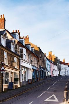 Malton, Yorkshire: things to do Devon Coast, Norfolk Coast, Yorkshire Towns, North Yorkshire, Beautiful Places In England, Cornwall Hotels, York Things To Do, Whitby Abbey, Medieval Houses