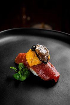 Sushi Recipes, Raw Food Recipes, Gourmet Recipes, Asian Recipes, Gourmet Desserts, Plated Desserts, Nigiri Sushi, Sashimi, Sushi Sushi