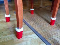 Xmas chair socks - free crochet pattern by Laia B