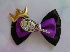 Arco de reina malvada La reina malvada inspiración Disney Hair Bows, Diy Disney Ears, Disney Mickey Ears, Disney Diy, Disney Crafts, Bow Template, Boutique Hair Bows, Diy Bow, Diy Hair Accessories