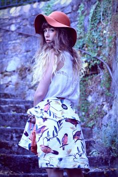 Fashion blogger Alexe Riffard - DOLLPOUPEE - Melbourne Australia x Breaking Rocks Bird Park Sweater. #breakingrocks #fashionblogger