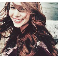 """#ohayatbenim #settensevgiler"" Popular Birthdays, Best Photo Poses, Turkish Beauty, Turkish Actors, Pretty Woman, Cool Photos, Hair Color, Beautiful Women, Celebs"