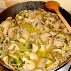 Egy finom Vajas-fokhagymás laskagomba ebédre vagy vacsorára? Vajas-fokhagymás laskagomba Receptek a Mindmegette.hu Recept gyűjteményében! Potato Salad, Food And Drink, Potatoes, Vegetarian, Chicken, Cooking, Ethnic Recipes, Drinks, Kitchen