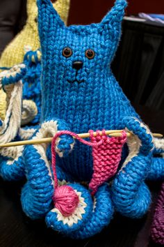 Knitting Pattern Octopus Toy : 1000+ images about Knit Toys on Pinterest Vogue knitting ...